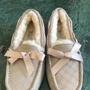 664dd0a2389 UGG Dakota Double Diamond Freshwater Pearl Slipper